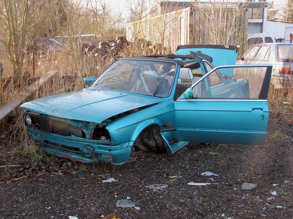 מכירת רכב ישן לפירוק: לא תתעשרו מזה, אבל היי! שווה לבדוק